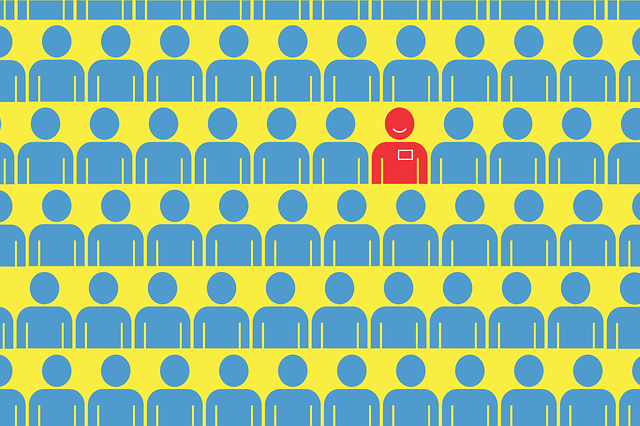 Imagem de bonequinhos azuis representando pessoas em busca de emprego e um boneco vermelho com crachá.